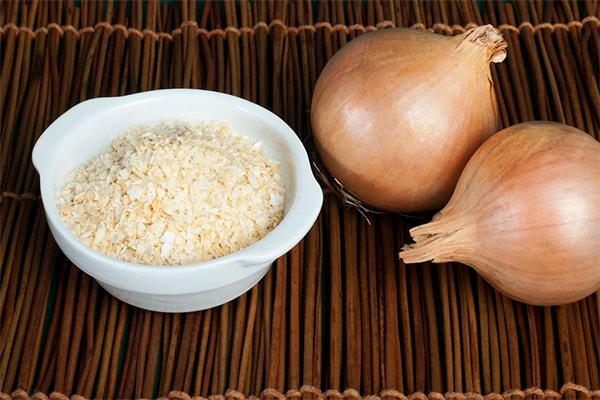Holar - Blog - Top 10 Essential Herbs, Spices, and Seasonings for Your Kitchen Pantry - Onion