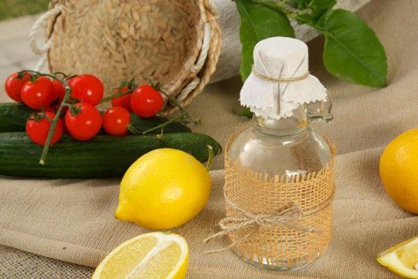 Holar Blog 5 Must-Have Vinegars in Your Kitchen and How to Use Them