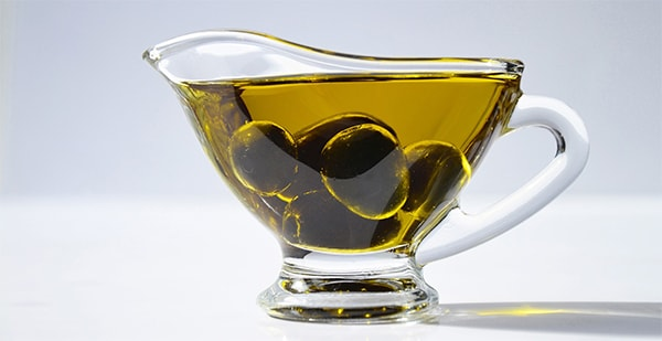 Holar - Blog - Top 7 Most Common Questions about Olive Oil - Is it good or bad to drink olive oil on an empty stomach