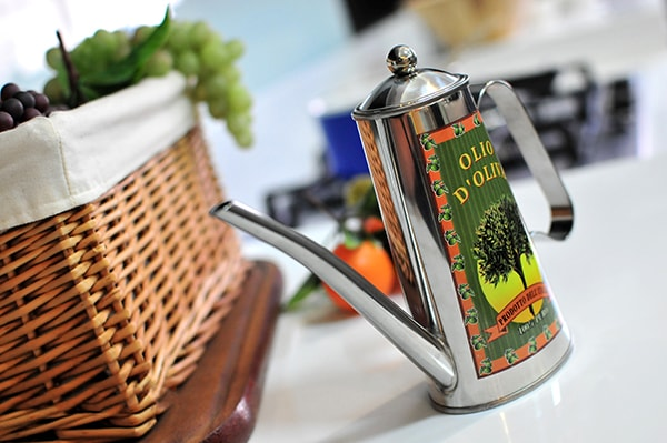 Holar - Blog - Top 7 Most Common Questions about Olive Oil - Will olive oil expire? How to store it?