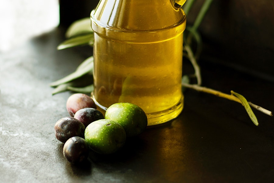 10 Magic Uses of Olive Oil for Your Skin 0