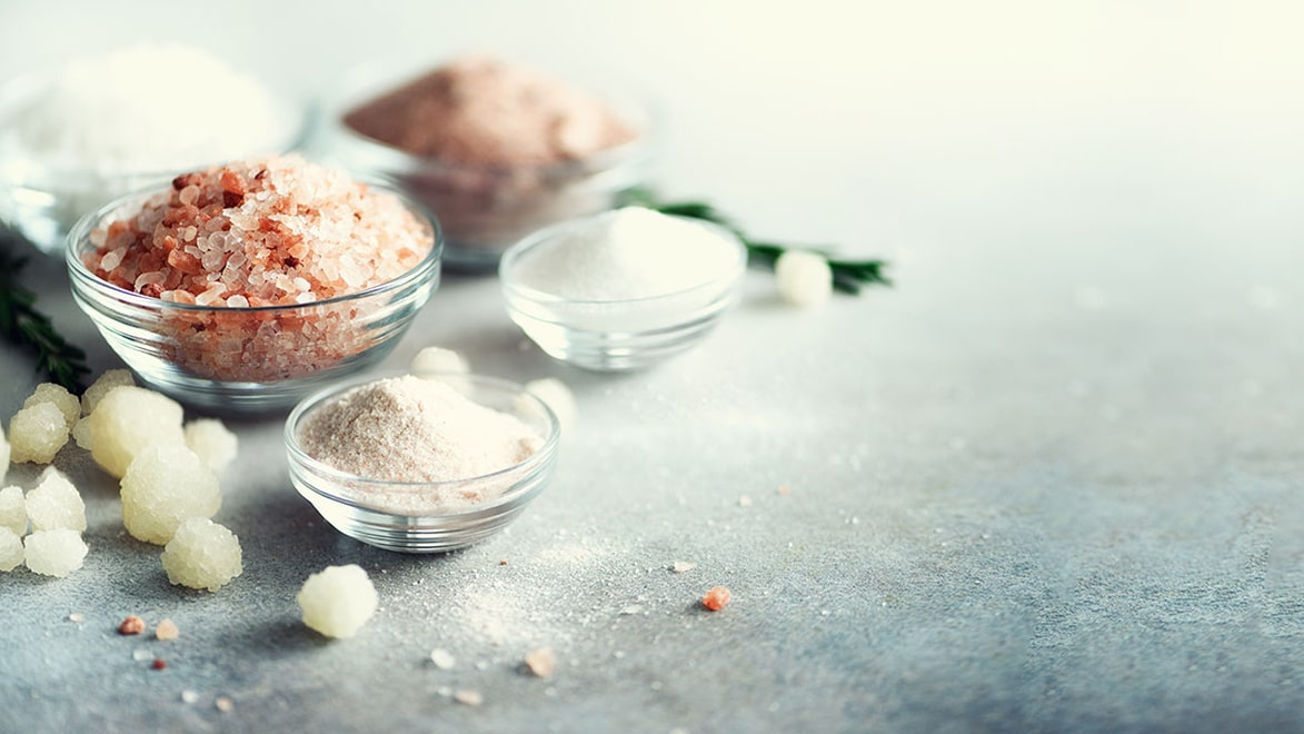 Holar - Blog - 10 Hidden Uses of Salt That Will Make Your Kitchen Life Easier - Main