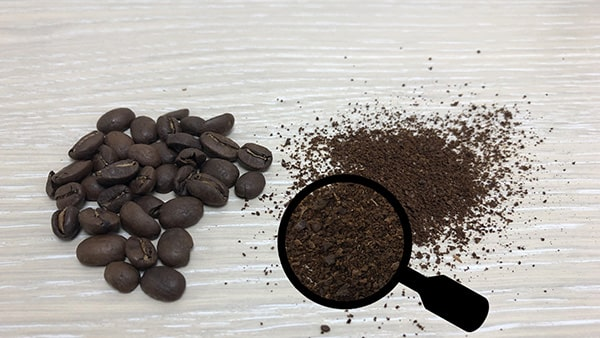Holar - Blog - 13 Common Spices You Can (Cannot) Grind in Your Salt and Pepper Grinder - Coffee Beans