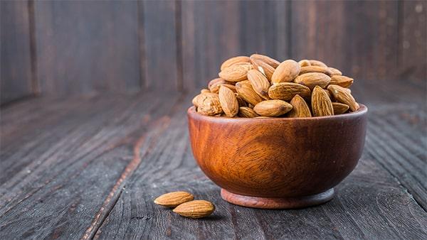 Holar - Blog - 9 Best Foods to Strengthen Your Immunity against Coronavirus - Almonds - 7