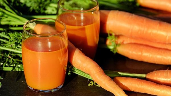 Holar - Blog - 9 Best Foods to Strengthen Your Immunity against Coronavirus - Carrots - 1