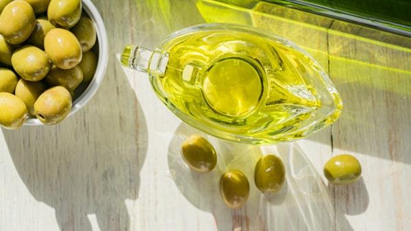 Holar - Blog - 9 Best Foods to Strengthen Your Immunity against Coronavirus - Extra Virgin Olive Oil - 4
