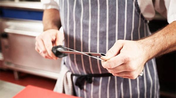 Holar - Blog - 9 Good Kitchen Habits for Better Cooking - sharpen knives
