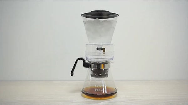Holar - Blog - Top 10 Manual Coffee Makers for Every Type of Coffee Enthusiast - Cold Drip Coffee Maker