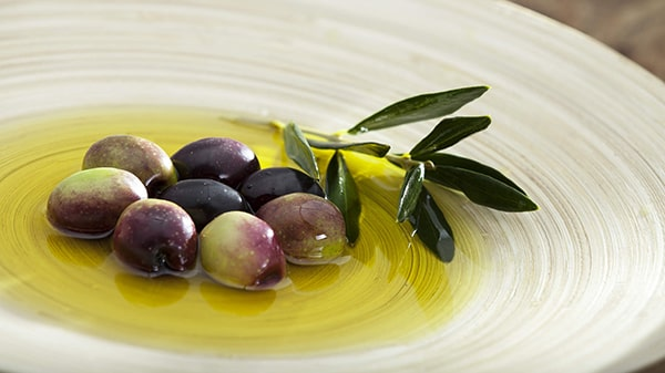 Holar - Blog - What are the uses for different edible oils when cooking - Extra Virgin Olive Oil