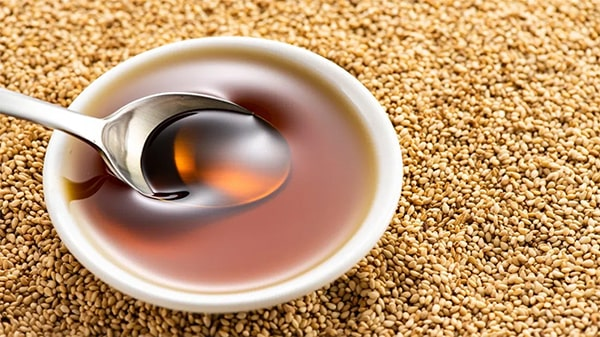 Holar - Blog - What are the uses for different edible oils when cooking - Sesame Oil