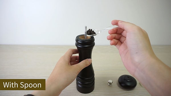 Holar how to fill pepper grinder with spoon