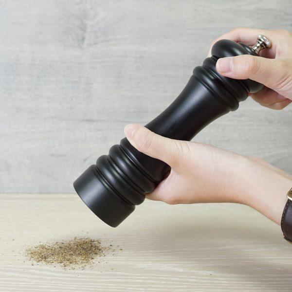 how to use Holar wood classic salt pepper grinders_AL3
