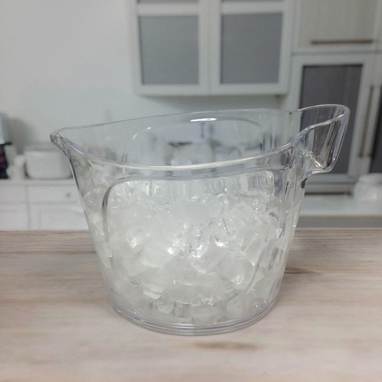 ice bucket with holder-1