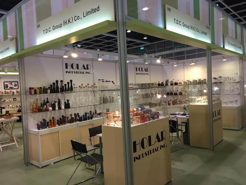 2017--04 HK-Gidt-and-Premium---1