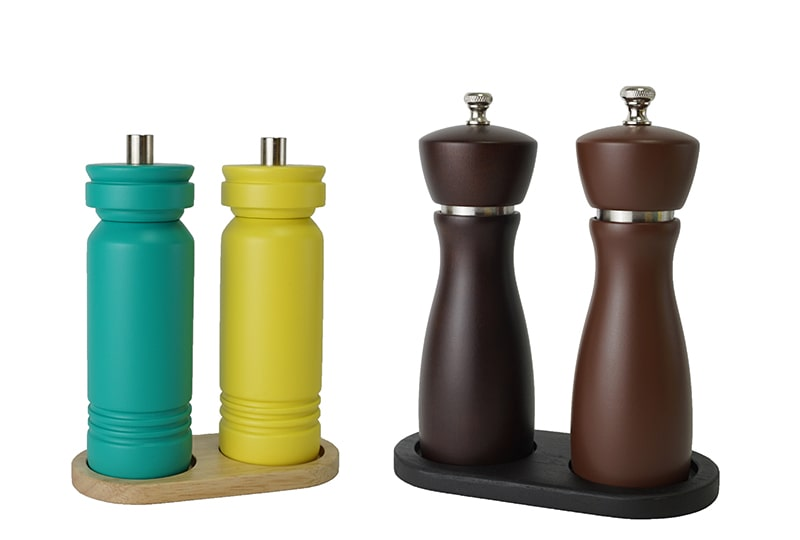 salt and pepper mill and Tray collocation